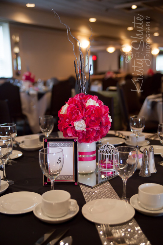 Kristy Shute Photography Kitchener Waterloo Wedding Golf's Steakhouse Table