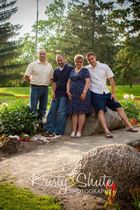 Kristy Shute Photography Large Group Extended Family Session Cambridge Soper Park