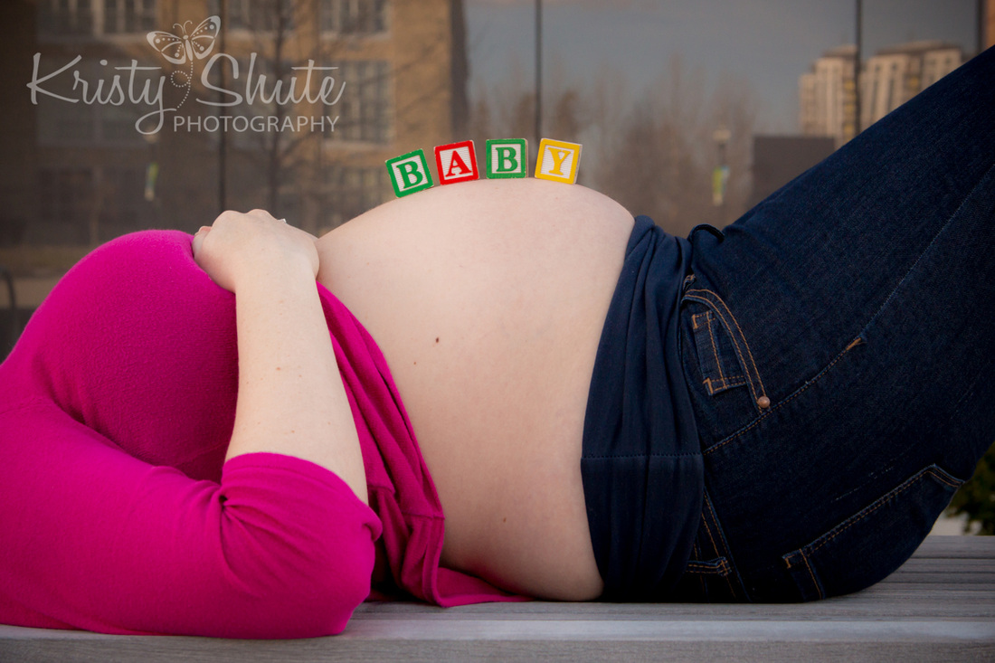 Kristy Shute Photography Maternity Uptown Waterloo Baby Blocks on Belly