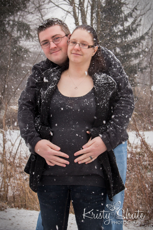 Winter Maternity Photography Kristy Shute Victoria Park