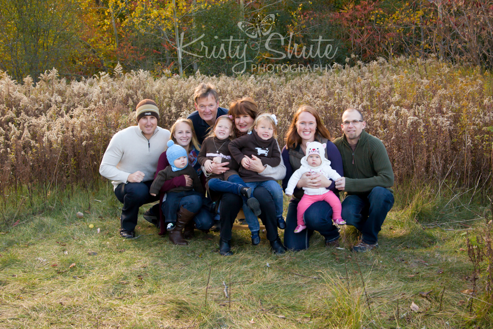 Kristy Shute Photography; Extended Family Holiday Session; Group; Huron Natural Area Kitchener; Fall