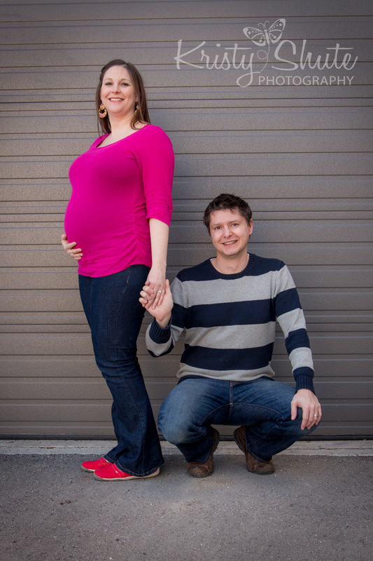 Kristy Shute Photography Maternity Uptown Waterloo Garage Door