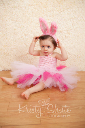 Kristy Shute Photography One Year Old Kitchener Bunny Ears