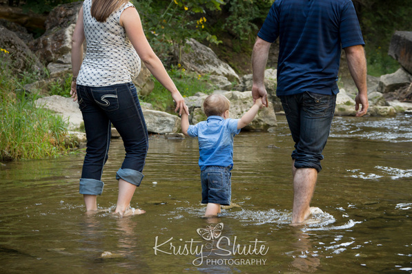 Elora Family Maternity Photography water gorge Kristy Shute
