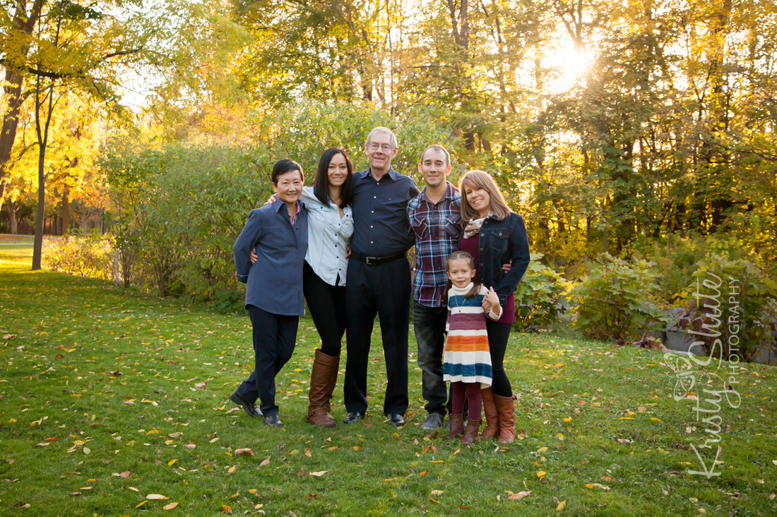 Kristy Shute Photography, Kitchener Fall Extended Family Photography, Victoria Park