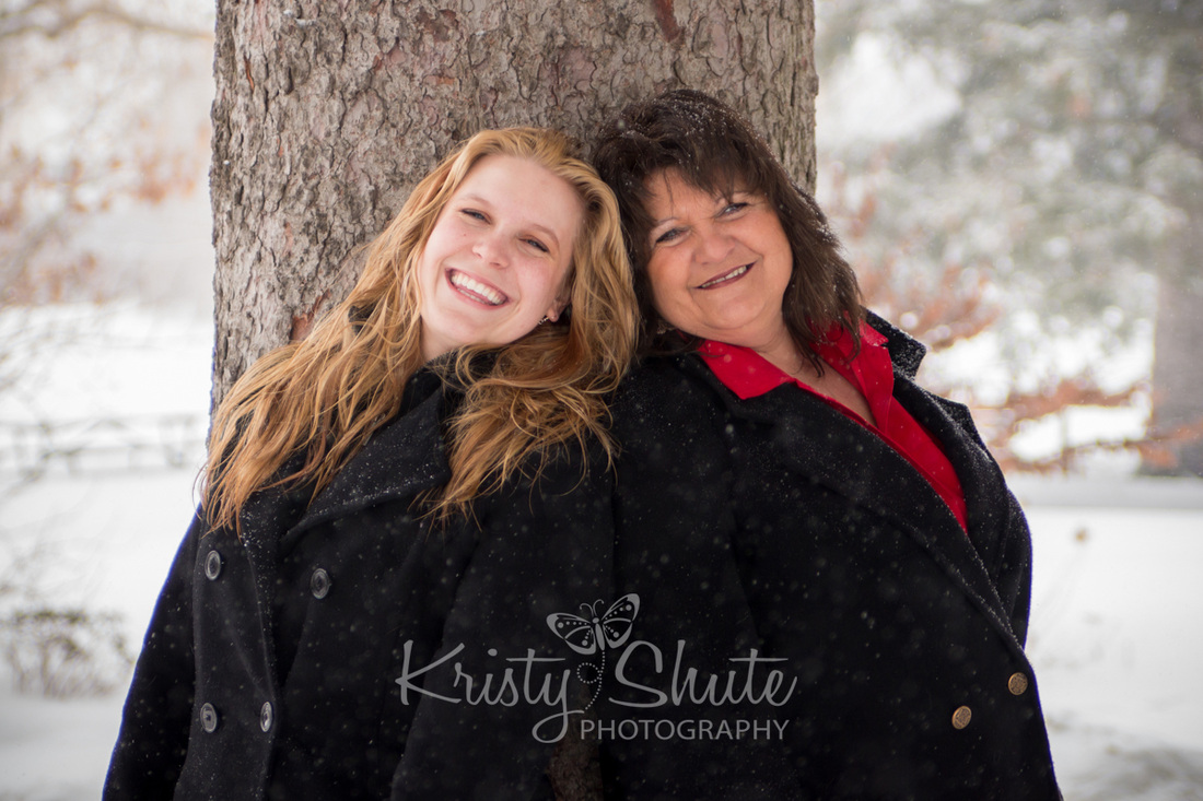 Mother Daughter Victoria Park Kitchener Family Photography Winter Snow